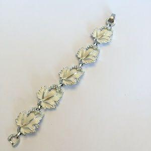 Vintage White leaf Sarah Coventry Bracelet